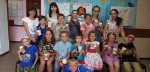 В рамках  нацпроекта «Демография» в отделение дневного пребывания города Сим для детей  проведено познавательно - развлекательное мероприятие «Краски лета»